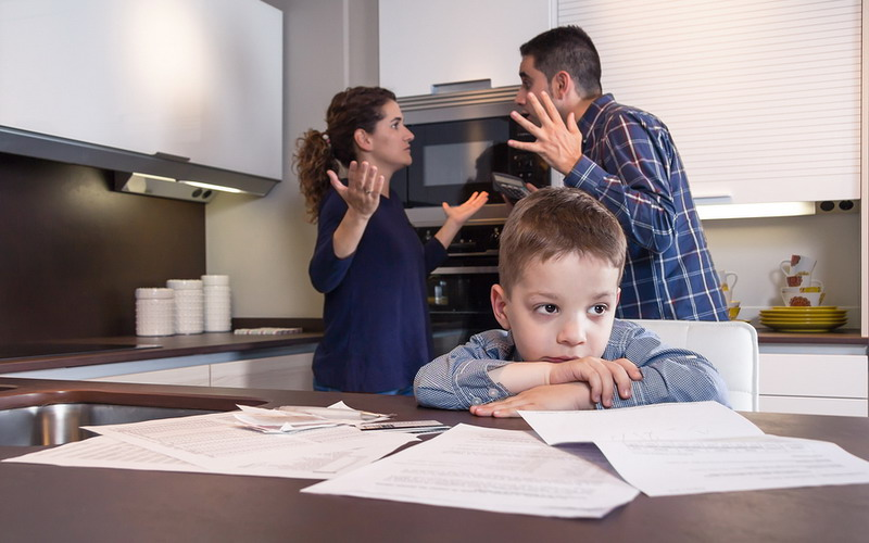 TOP FAMILY 2: Dampak Negatif Anak Sering Melihat Orangtua Bertengkar
