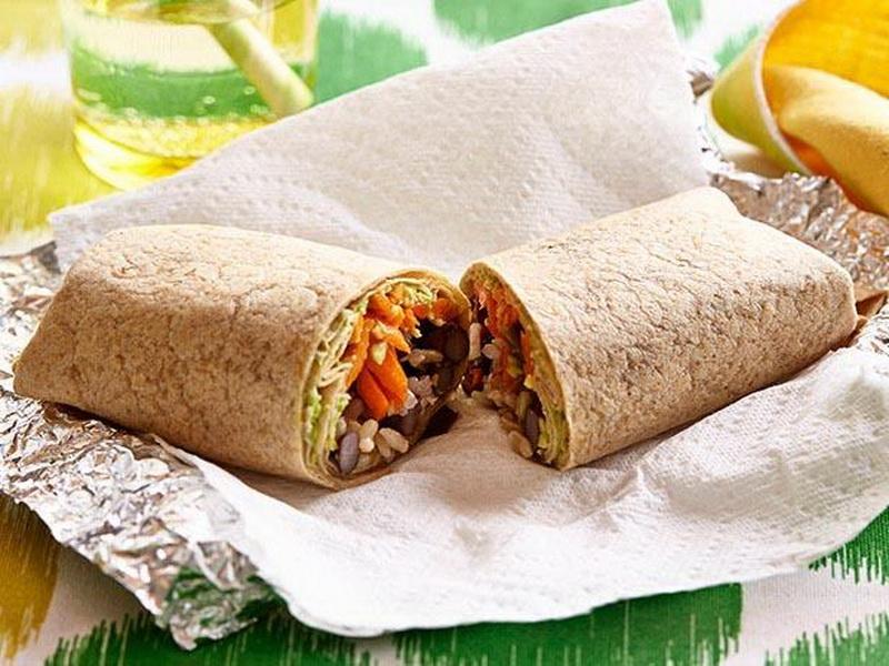 Burrito Isi Nasi Merah untuk Bekal Makan Siang si Kecil