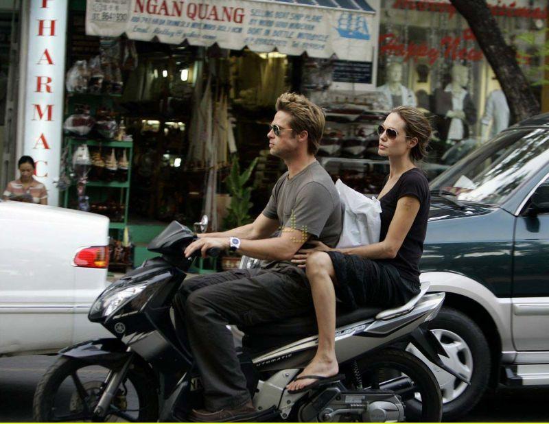 Empat Momen Kenangan Liburan Brad Pitt & Angelina Jolie
