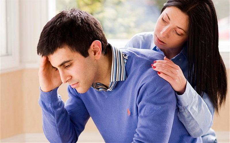 Gaji Istri Lebih Tinggi, Lakukan Ini agar Suami Tak Tersinggung