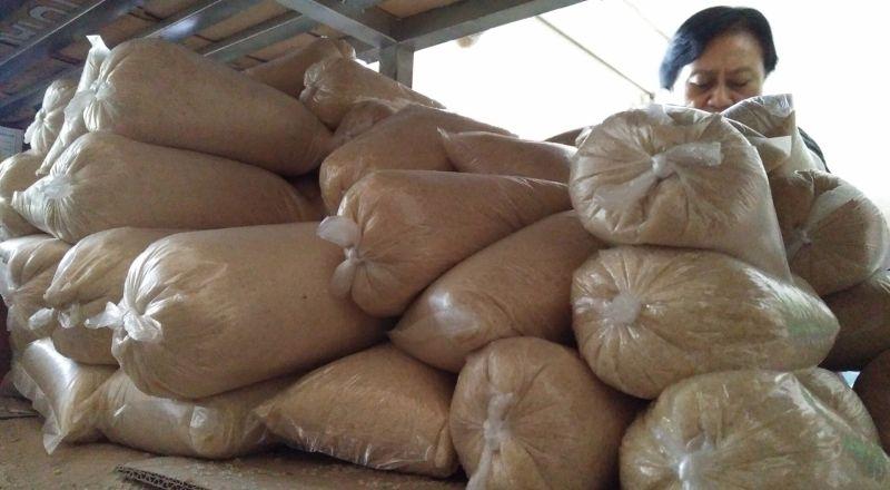 \Harga Lelang Gula Petani Sedikit Membaik\