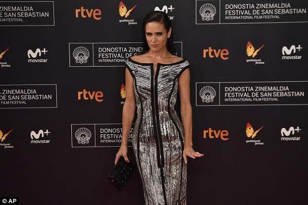Jennifer Connelly Berada di Red Carpet San Sebastian Film Festival. (Foto: Tomandolorenzo.com)