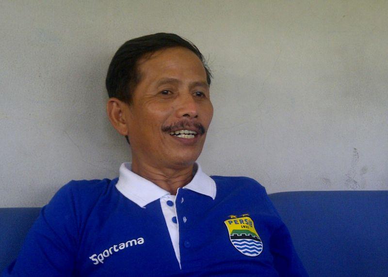Djajang Nurdjaman tidak merasa Persib bermain buruk kontra MU. (Foto:Okezone)
