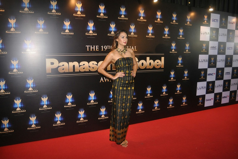 Nadine Tampil Anggun di Red Carpet Panasonic Gobel Awards. (Foto: MuhammadSabki/Okezone)