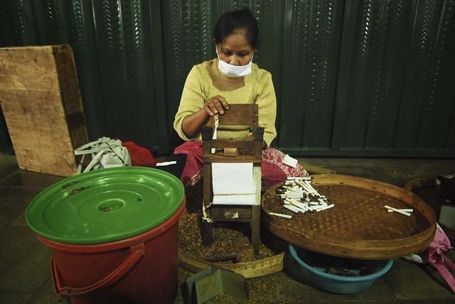 \SURVEI OKEZONE FINANCE: Mayoritas Setuju Cukai Rokok Naik\
