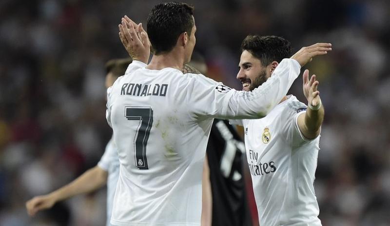 Isco (kanan) (Foto: AFP)