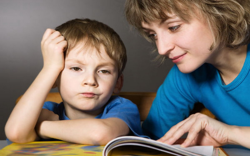 Jangan Terlalu Overprotektif jika Tak Ingin Anak Jadi Manja