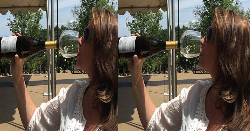 Inovasi Baru Gelas Menempel di Botol, Cara Cepat Minum Wine