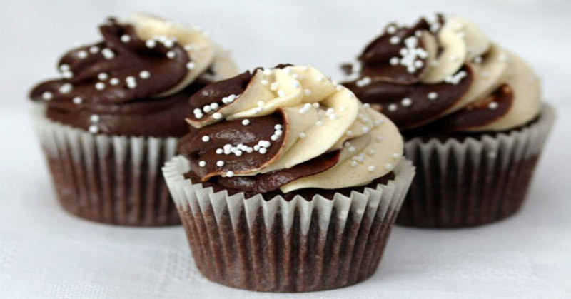 4 Kunci Membuat Cupcake Cokelat yang Enak