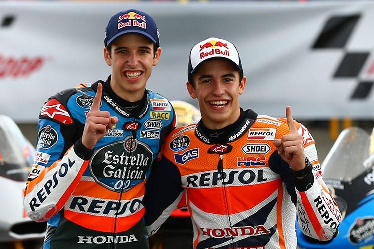 Alex Marquez (kiri) dan Marc Marquez