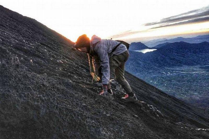 EKSPEDISI KERINCI: Foto-Foto di Jalur Pendakian Gunung Kerinci yang Bikin Ngeri