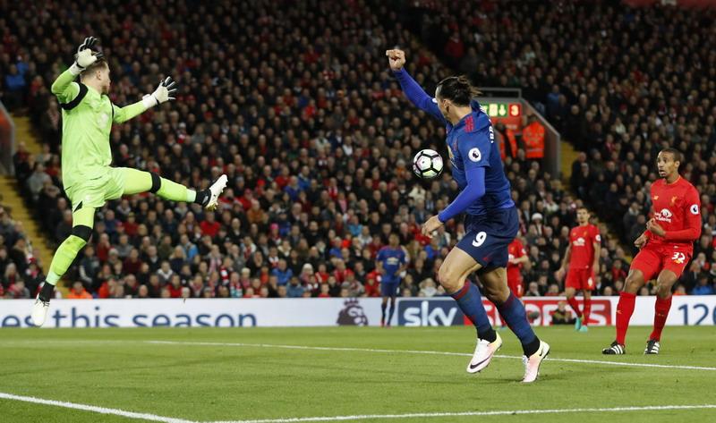 Ibrahimovic gagal manfaatkan peluang matang. (Foto: REUTERS/Carl Recine)