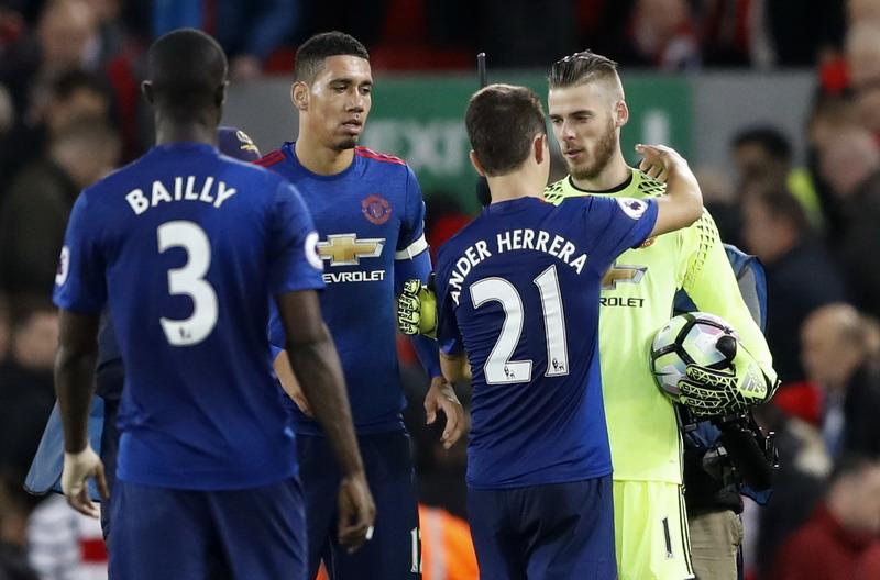 Man United dinilai belum siap juara Liga Inggris. (Foto: REUTERS/Carl Recine)