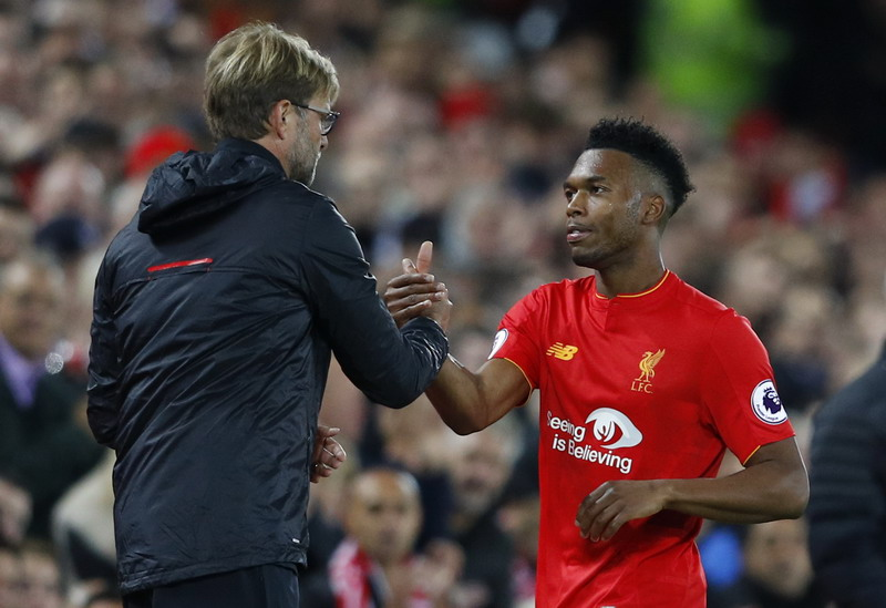 Sturridge saat digantikan. (Foto: REUTERS/Phil Noble)