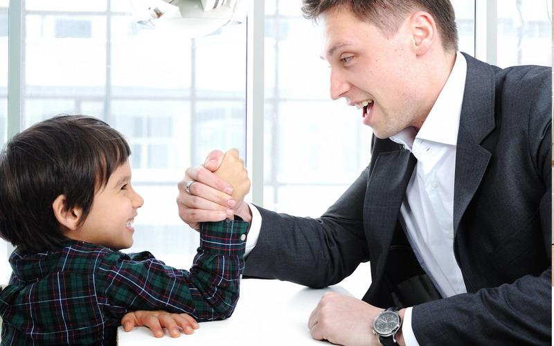 Urusan Anak, Ayah Harus Berkolaborasi dengan Istri