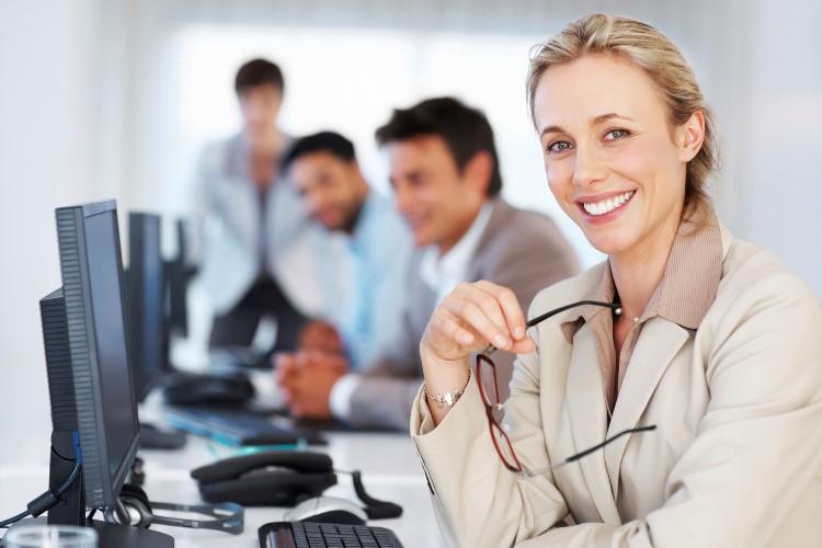 Trik Menarik Kandidat Wanita di Tim IT
