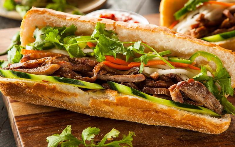 Bedah Isi Banh Mi, Sandwich ala Vietnam yang Pakai Roti Perancis