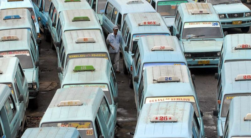 \Transportasi Umum Harus Tingkatkan Kualitas untuk Imbangi Online\