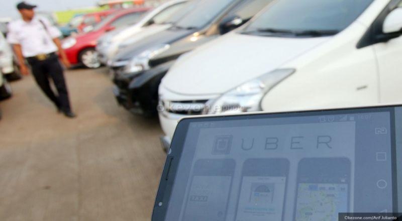 \Organda Sebut Taksi Online Sulit Dikendalikan\