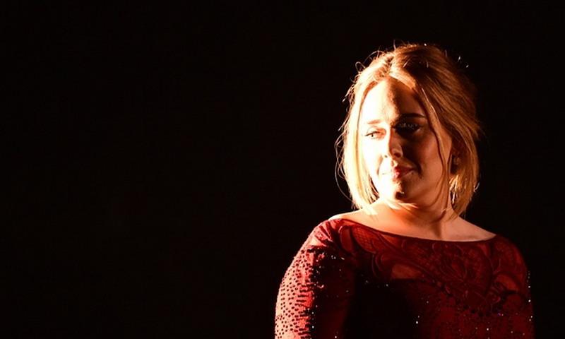 Adele (Foto: EW)