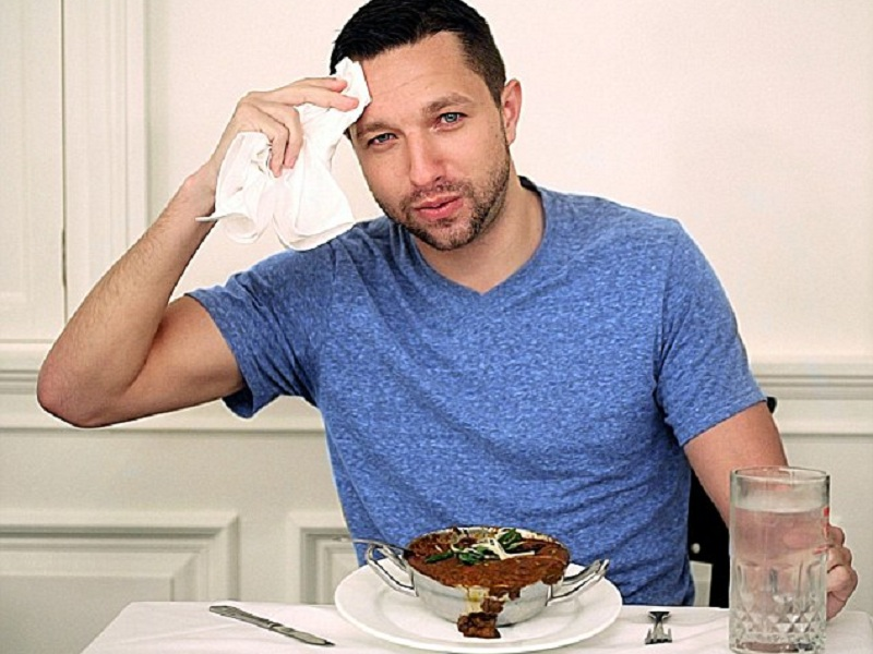 Alasan Habis Makan Makanan Pedas Bisa Bikin Malu