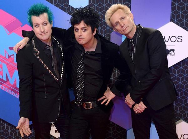 DNCE Hingga Green Day Warnai Red Carpet Acara MTV EMA 2016. (Foto: Eonline)