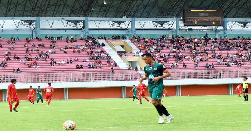 Kapten PSS Sleman, Busari, saat uji coba lawan Bhayangkara FC (KRjogja)