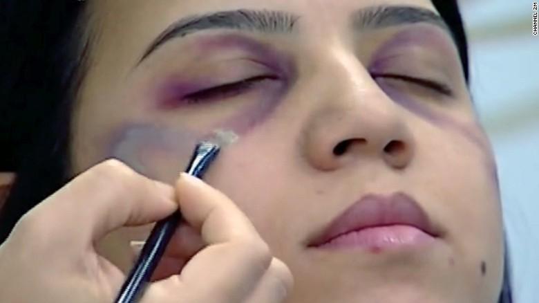Tayangkan Tutorial Make-Up untuk Tutupi Lebam di Wajah, Stasiun Televisi Ini Dikecam