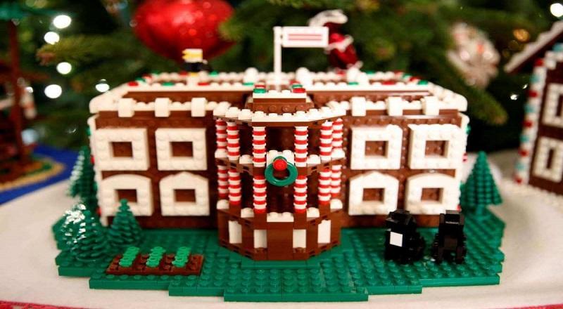 \Obama Dekorasi Gedung Putih dengan 200.000 Lego Akhir Tahun\
