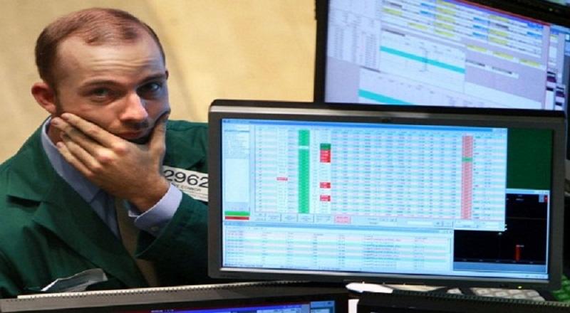 \Wall Street Mixed di Tengah Lonjakan Minyak dan Data Ekonomi\