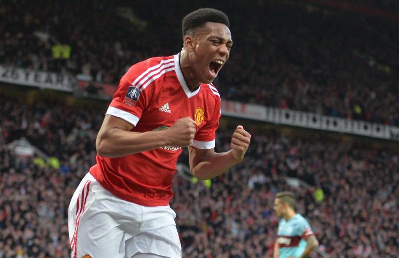 Martial cetak gol ke gawang West Ham. (Foto: AFP)