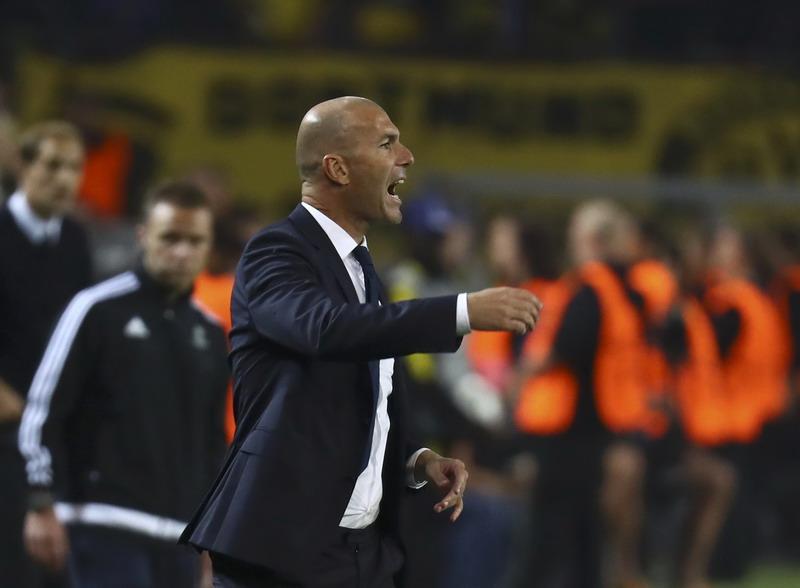 Zidane ogah komentari negatif wasit. (Foto: REUTERS/Kai Pfaffenbach)