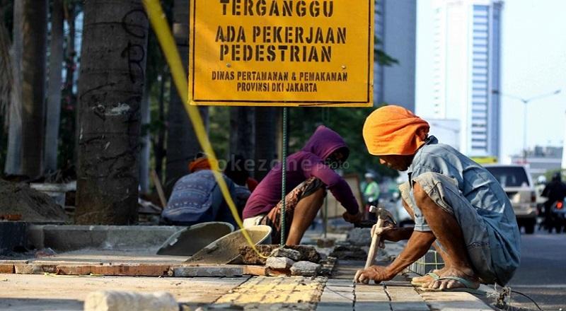 \Daerah Gencar Bangun Pedestrian Ramah Pejalan Kaki  \