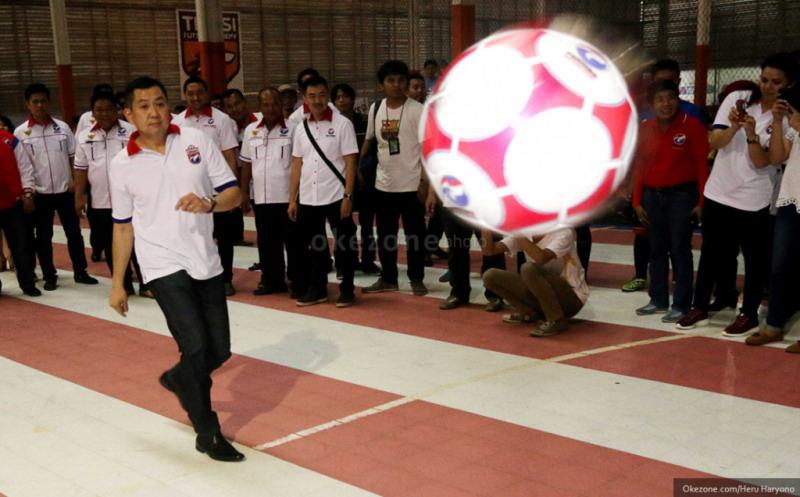 Hary Tanoe saat membuka turnamen futsal. (Foto: Heru Haryono/Okezone)