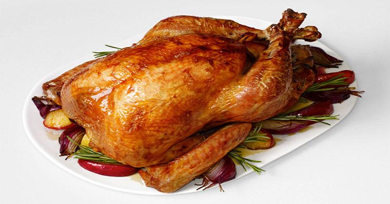 Youtuber Ini Membuat Ayam Kalkun dari Bubuk Gelatin