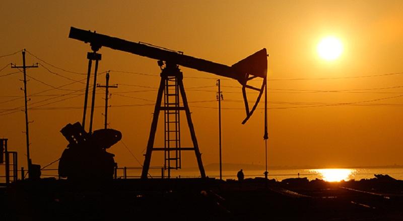 \Harga Minyak Dunia Melambung Setelah Kesepakatan OPEC\