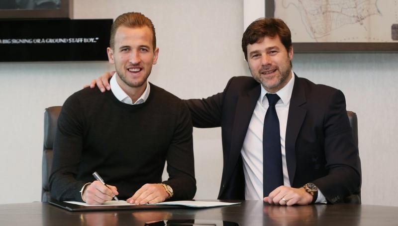 Harry Kane (kiri) perpanjang kontrak dengan Tottenham (Foto: Twitter resmi Tottenham)