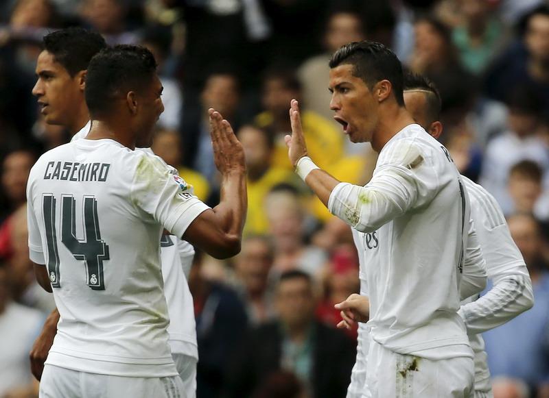 Casemiro dan Ronaldo akan dimainkan Zidane. (Foto: REUTERS/Andrea Comas)