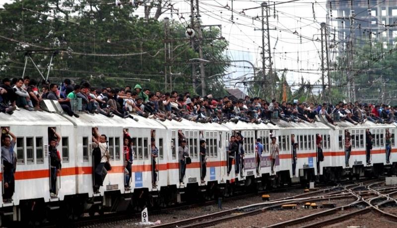 \Pertamina Jamin Penggunaan LNG di Kereta Lebih Aman   \