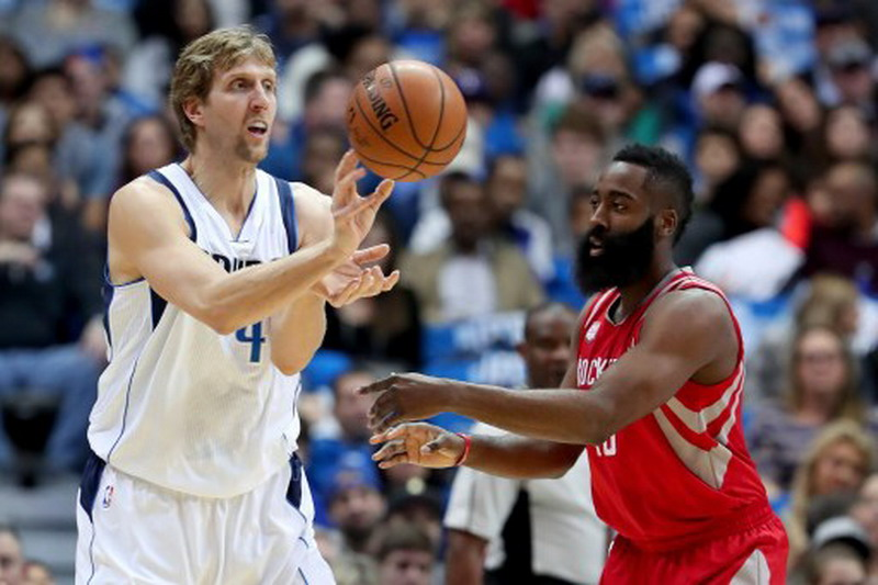 James Harden sebut Dallas bermain kasar. (Foto: AFP/Tom Pennington)