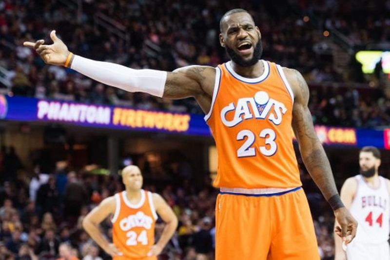 LeBron Tak Mampu Bawa Kemenangan Cavaliers (Foto: Jason Miller/AFP)