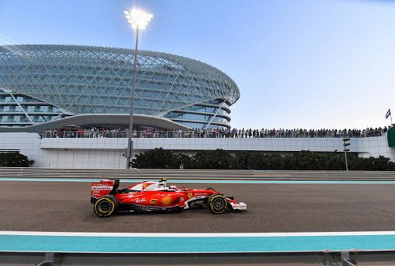 Ferrari Terlalu Banyak Orang Italia (Foto: Andrej Isakovic/AFP)