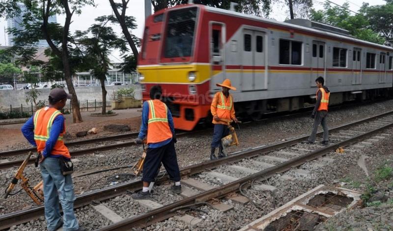 \Subsidi Kereta Api Mayoritas untuk KRL\