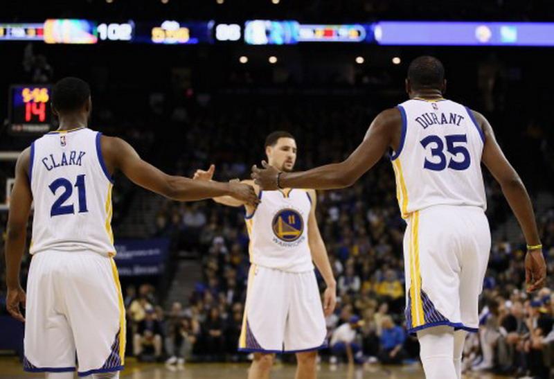 Golden State Wariors Menang Atas Sacramento Kings