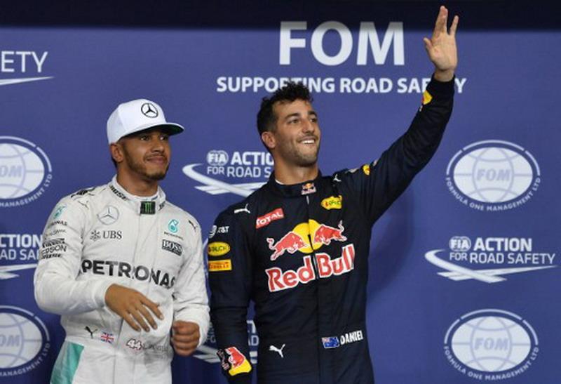 Ricciardo akui Mercedes masih jadi favorit (Foto: Andrej Isakovic/AFP)