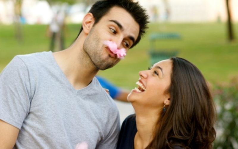 Tidak Disangka, Ini Sejumlah Alasan Wanita Suka Pria yang Humoris