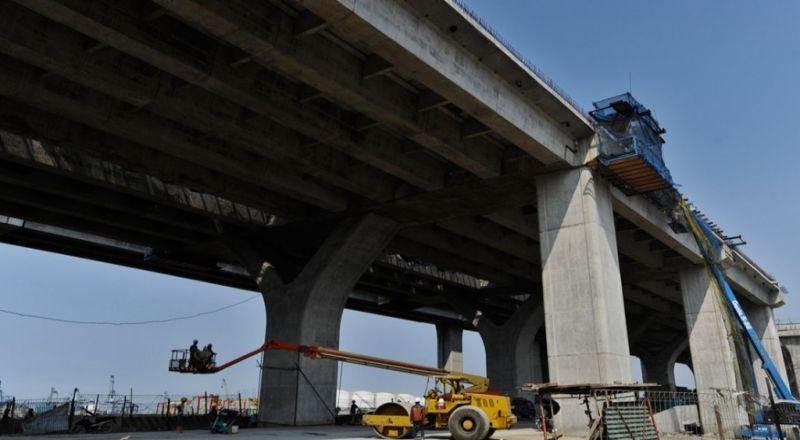 \Tanah Pilar Jembatan Cisomang Labil terhadap Cuaca\