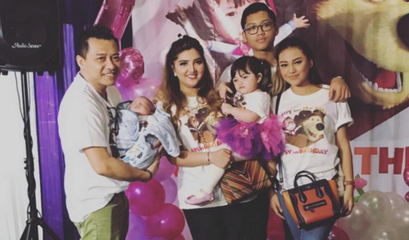 Keluarga Anang (Foto: Instagram)
