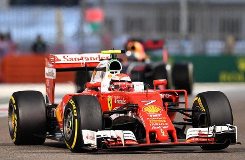 Ferrari tak ingin sesumbar mobilnya paling berkualiatas di F1 2017 (Foto: Andrej Isakovic/AFP)