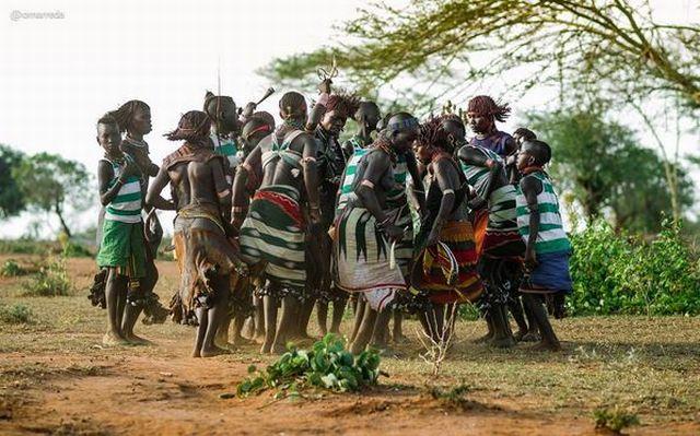 Penampakan Suku di Ethiopia yang Punya Budaya Perhiasan Unik